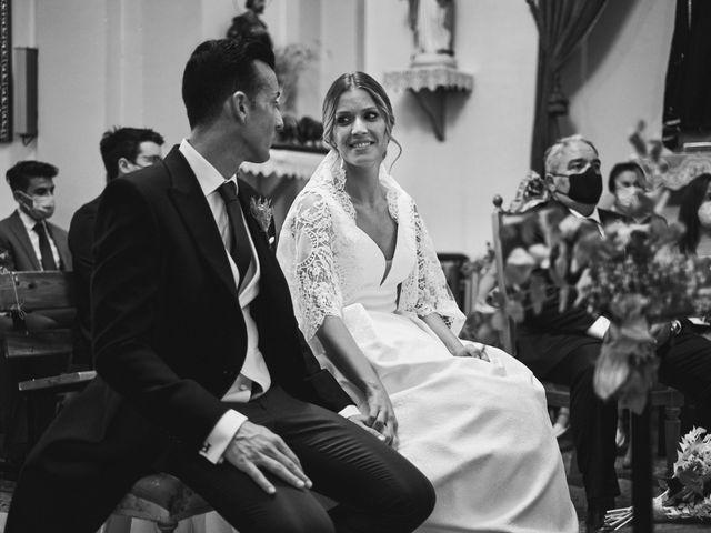 La boda de Pablo y Mireia en Casas Ibañez, Albacete 18