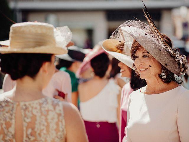 La boda de Carlos y Maite en Ballesteros De Calatrava, Ciudad Real 31