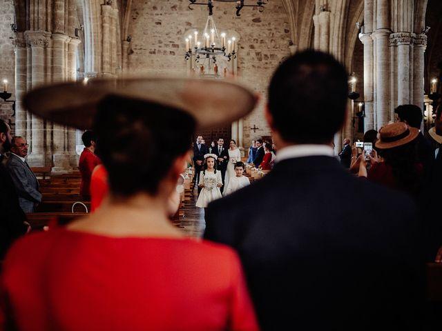 La boda de Carlos y Maite en Ballesteros De Calatrava, Ciudad Real 40