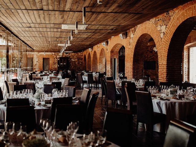 La boda de Carlos y Maite en Ballesteros De Calatrava, Ciudad Real 67