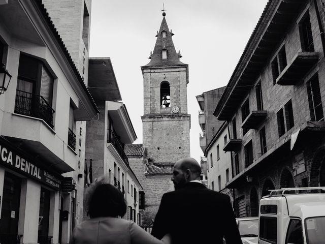 La boda de Alfonso y Rosi en La Gineta, Albacete 13