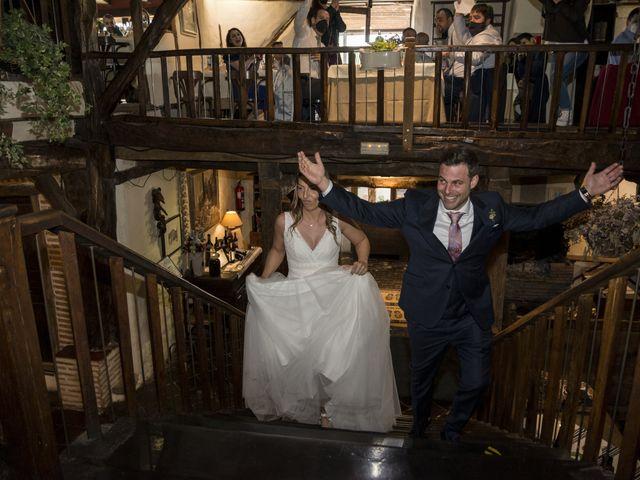 La boda de Jose y Irati en Loiu, Vizcaya 32