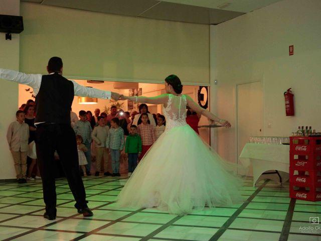 La boda de Juan Carlos y Lorena en Olula Del Rio, Almería 111