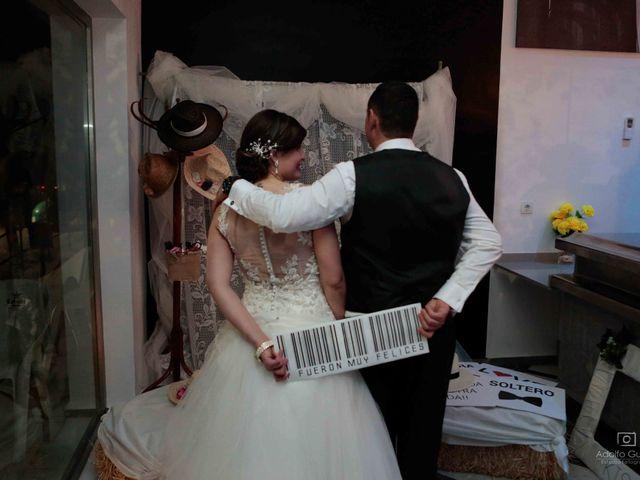 La boda de Juan Carlos y Lorena en Olula Del Rio, Almería 117
