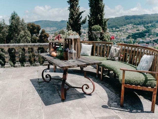 La boda de Alex y María en Vigo, Pontevedra 43