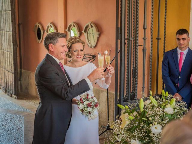 La boda de Manuel y Inmaculada en La Cierva, Cádiz 30