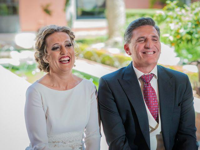 La boda de Manuel y Inmaculada en La Cierva, Cádiz 33