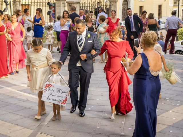 La boda de Lourdes y Miguel en Motril, Granada 14