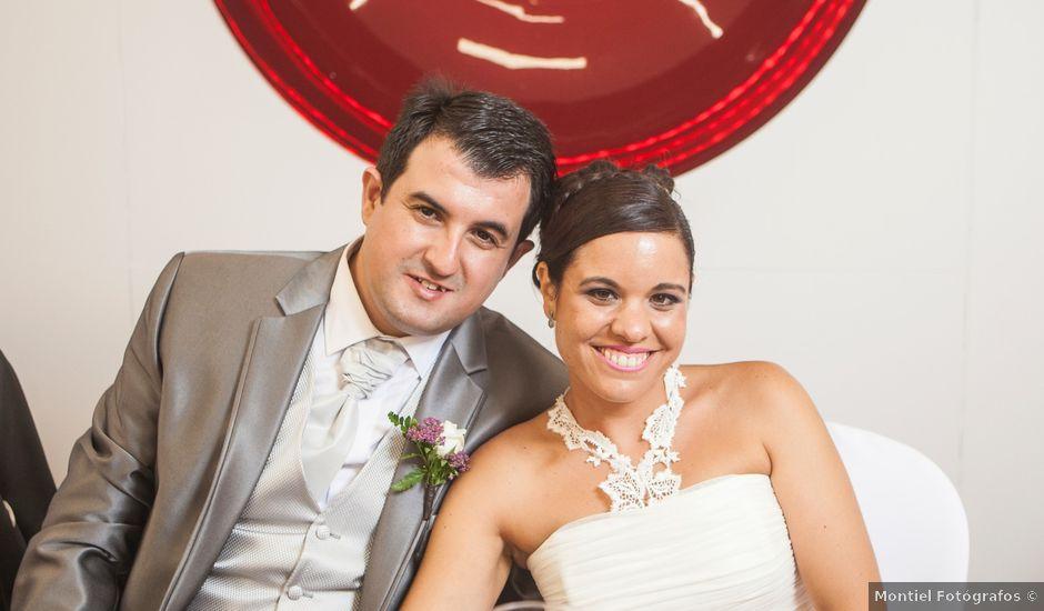 La boda de Juan Antonio y María José en Málaga, Málaga
