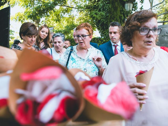 La boda de Juan y Silvia en Alcalá De Henares, Madrid 40