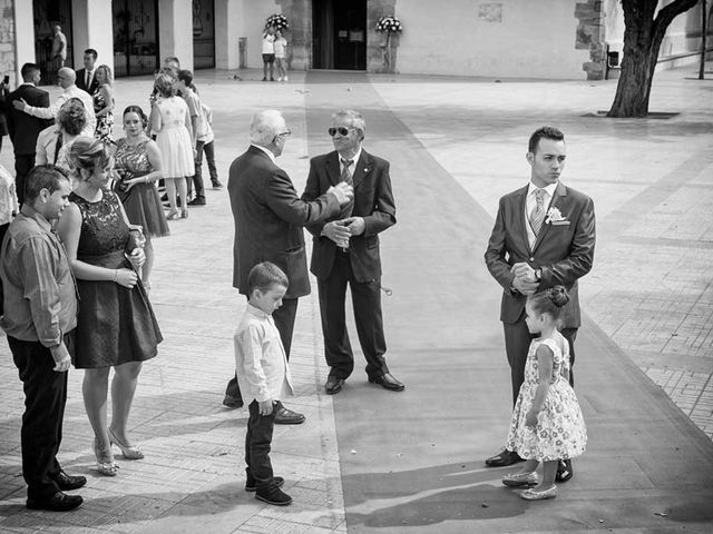 La boda de Javi y Eva en Castelló/castellón De La Plana, Castellón 17