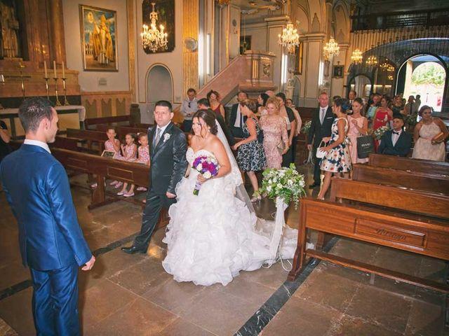 La boda de Javi y Eva en Castelló/castellón De La Plana, Castellón 22