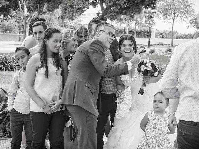 La boda de Javi y Eva en Castelló/castellón De La Plana, Castellón 33
