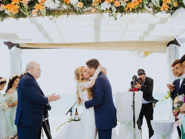 La boda de Rafa y Deborah en Nerja, Málaga 71