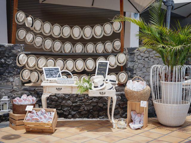 La boda de Raúl y Lisset en San Sebastian Gomera, Santa Cruz de Tenerife 17