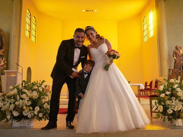 La boda de Arturo y Claudia en Santiago De Compostela, A Coruña 33