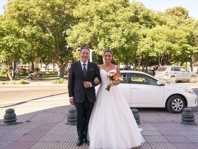 La boda de Arturo y Claudia en Santiago De Compostela, A Coruña 37