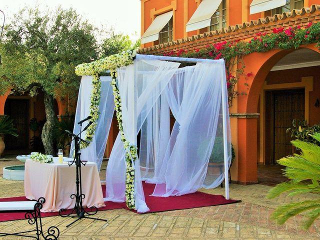 La boda de Rafael y Elena en Sanlucar La Mayor, Sevilla 20