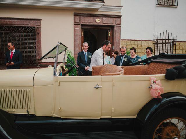 La boda de Alfonso y Silvia en Puente Genil, Córdoba 39