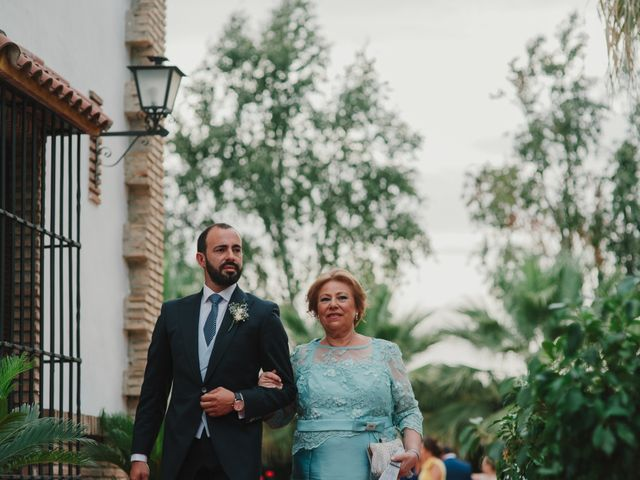 La boda de Alfonso y Silvia en Puente Genil, Córdoba 43