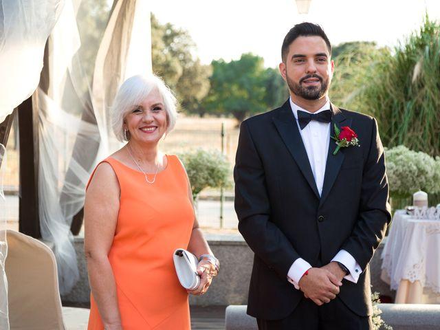 La boda de Humberto y Gabi en Collado Villalba, Madrid 12