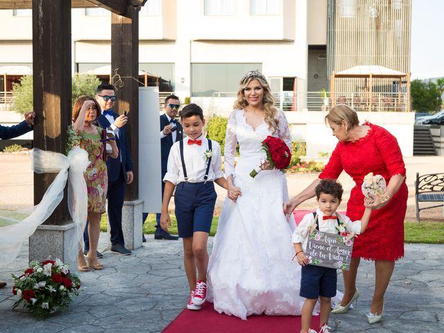 La boda de Humberto y Gabi en Collado Villalba, Madrid 13