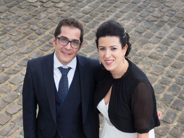 La boda de Xavi y Idoia en Donostia-San Sebastián, Guipúzcoa 16