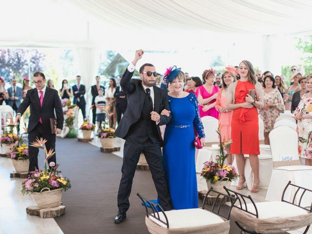 La boda de Henar y Xuxa en Vilalba, Lugo 13