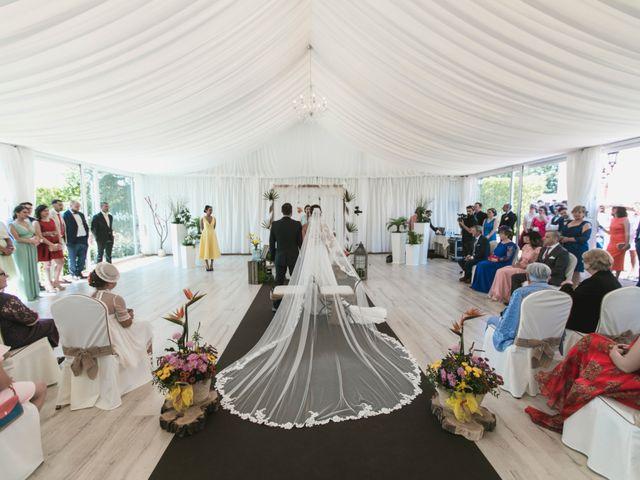 La boda de Henar y Xuxa en Vilalba, Lugo 15