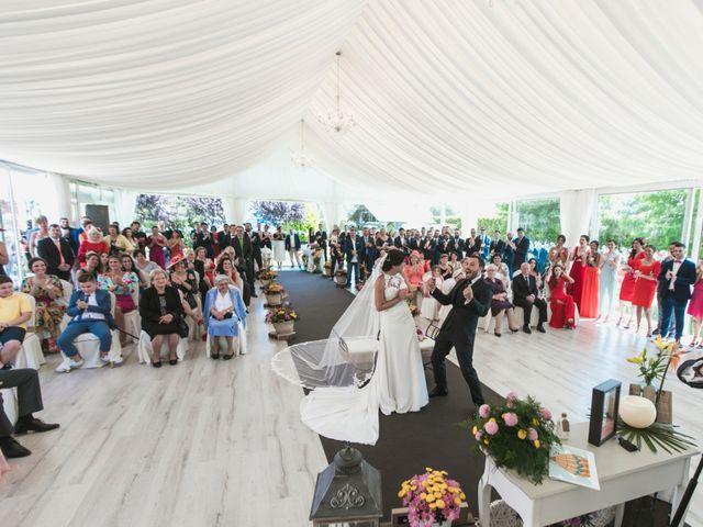 La boda de Henar y Xuxa en Vilalba, Lugo 19