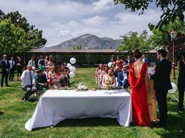 La boda de Daniel y Veronica en Valdemorillo, Madrid 21