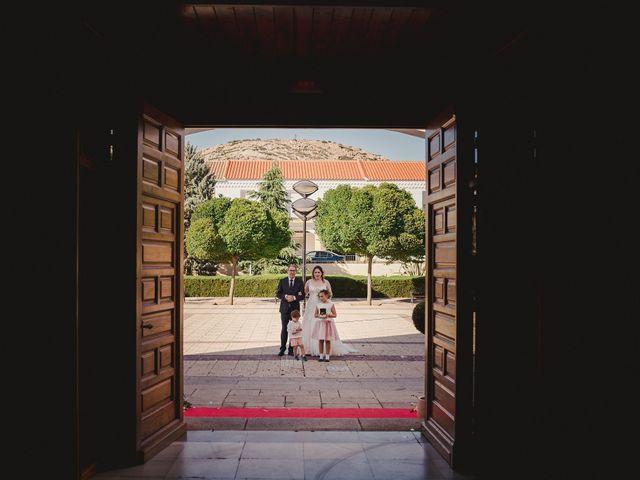 La boda de Rubén y Flor en Puertollano, Ciudad Real 42