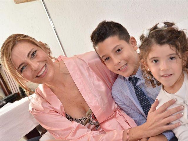 La boda de Cristian y Sonia en Cornella De Llobregat, Barcelona 25