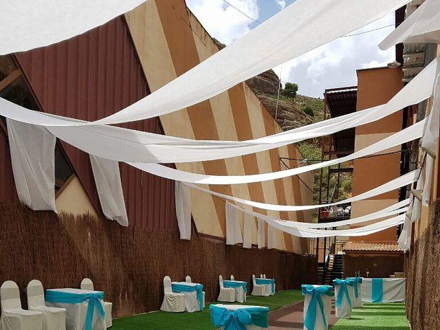 La boda de Daniel Carreras y Cristina Rambla en Alcorisa, Teruel 14