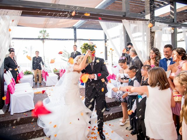 La boda de Akoran y Yessica en Puerto De La Cruz, Santa Cruz de Tenerife 15