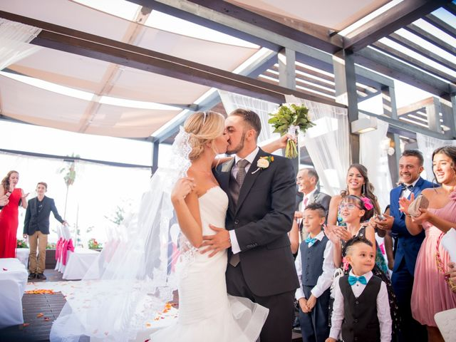 La boda de Akoran y Yessica en Puerto De La Cruz, Santa Cruz de Tenerife 16