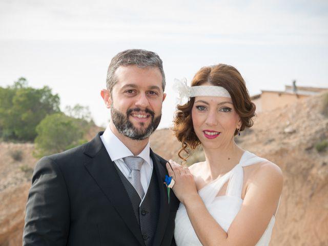 La boda de Santiago y Mar  en Crevillente, Alicante 14