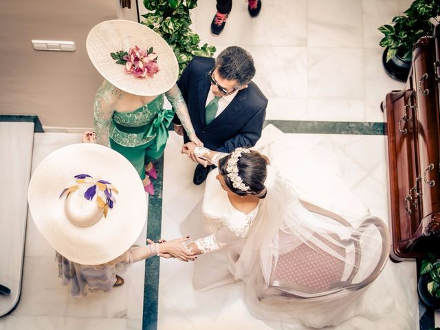 La boda de Juan y Maribi en Sevilla, Sevilla 15
