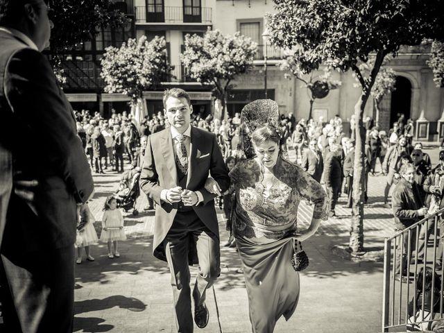 La boda de Juan y Maribi en Sevilla, Sevilla 20