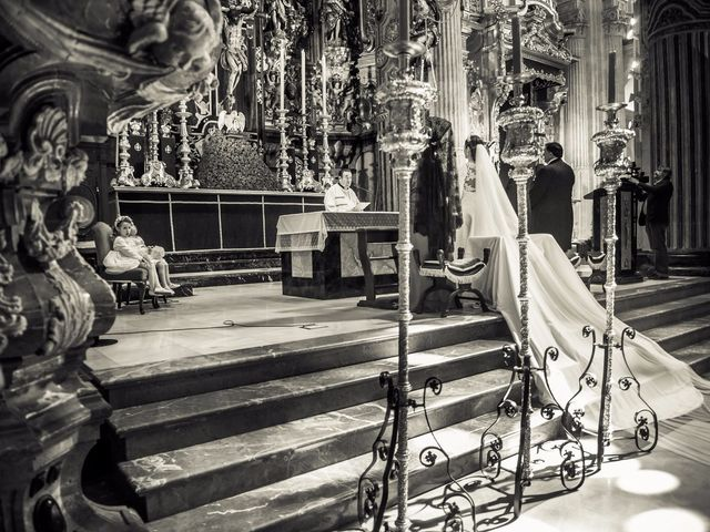 La boda de Juan y Maribi en Sevilla, Sevilla 35