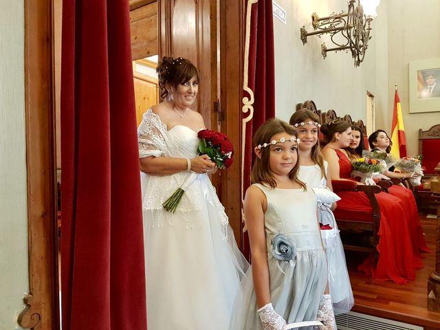 La boda de Mario y Isabel  en Canet De Mar, Barcelona 2