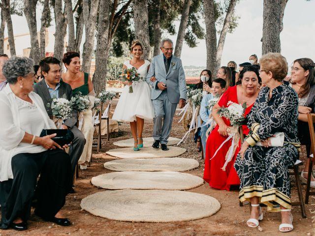 La boda de Guillém y Berta en El Vendrell, Tarragona 25