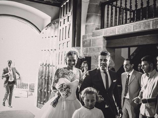 La boda de Alfredo y Ana Cruz en Valdastillas, Cáceres 17