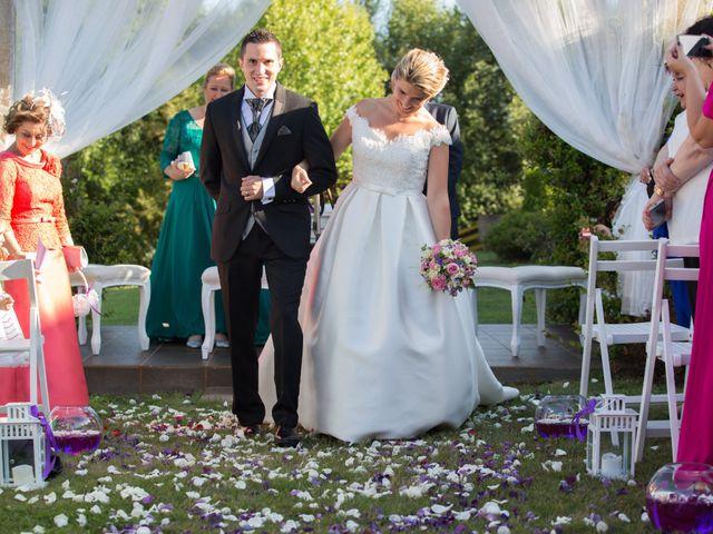 La boda de Damián y Uxía en Vilalba, Lugo 24