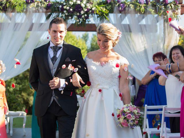 La boda de Damián y Uxía en Vilalba, Lugo 25