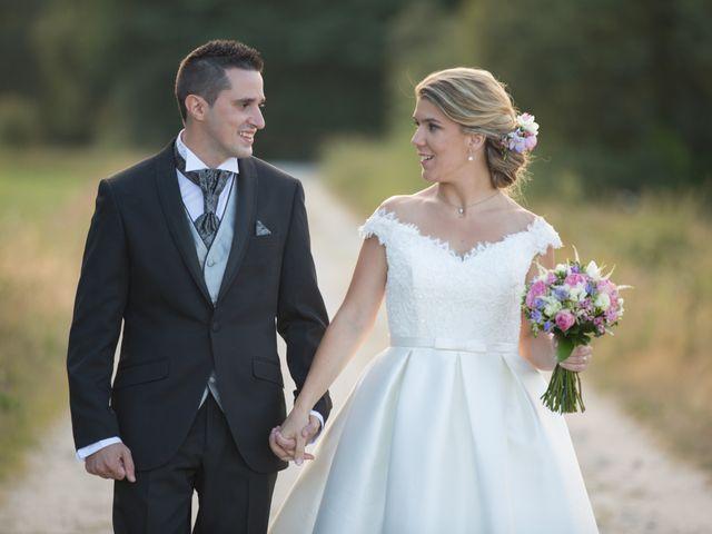 La boda de Damián y Uxía en Vilalba, Lugo 28