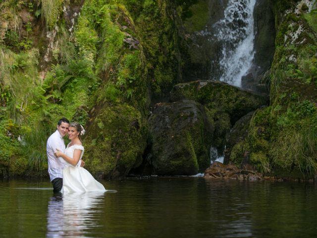 La boda de Damián y Uxía en Vilalba, Lugo 38