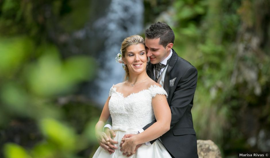 La boda de Damián y Uxía en Vilalba, Lugo