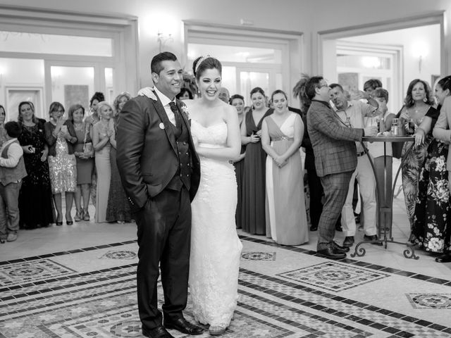 La boda de Leo y Estefanía en Salteras, Sevilla 43