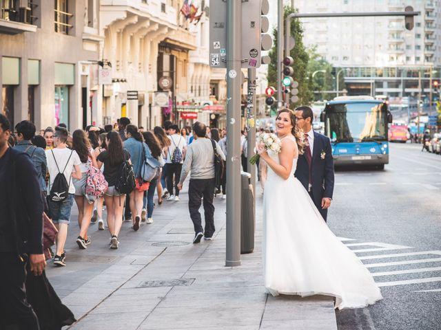 La boda de Jorge y Gaby en Madrid, Madrid 19